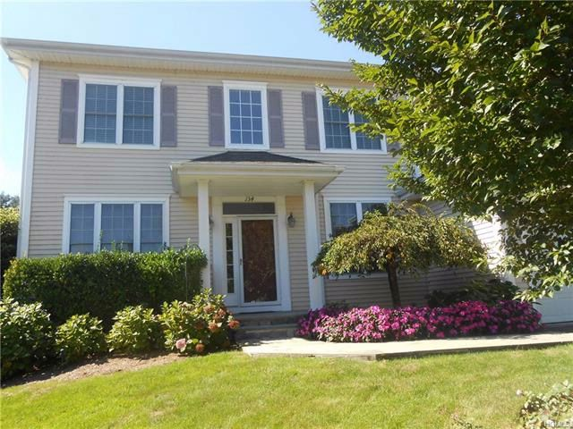 4 BR,  2.50 BTH  Colonial style home in White Plains
